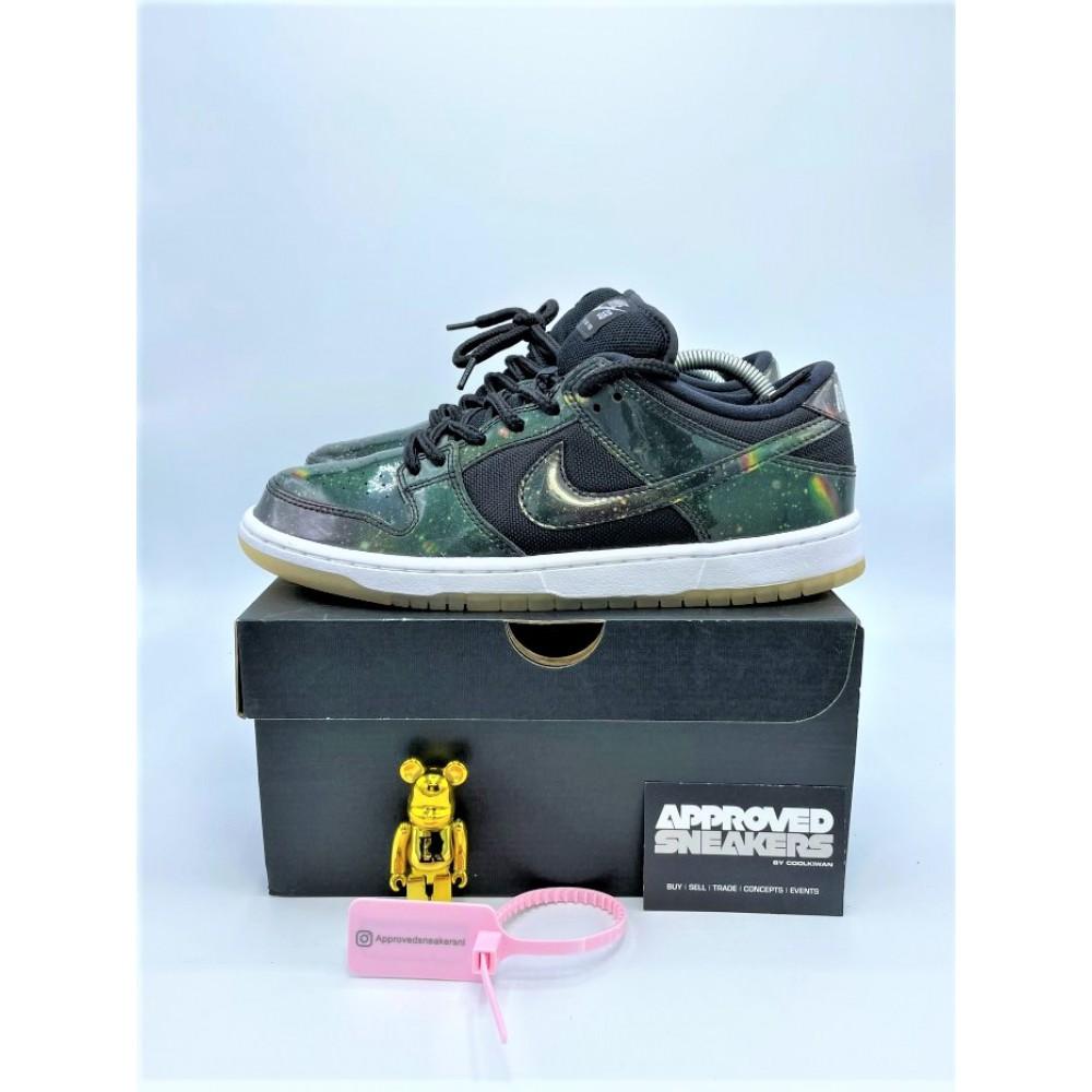 Nike Dunk SB Low 420 Intergalactic 883232-001